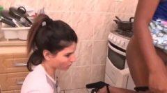 Patroa Peida Na Cozinha E Escrava é Punida Por Reclamar- Sperm Tribute Brazil